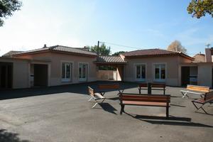Scolarité - Photo de la cour de l'école